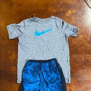 Boys Nike Outfit NWOT